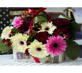 Flori Pentru Onomastica Aranjament Floral Cu Gerbera Si Trandafiri